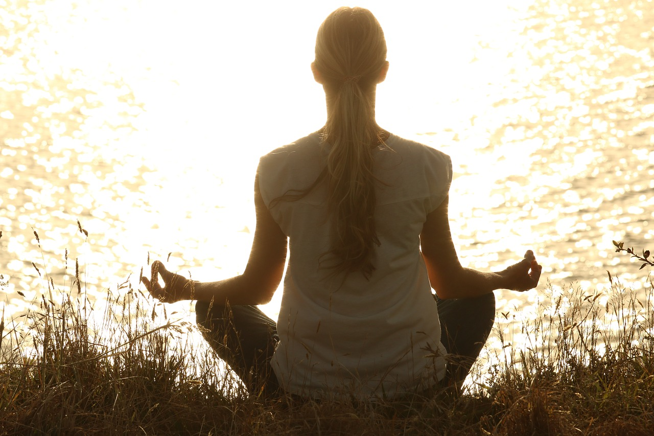 Photo of Meditare aiuta a dimagrire e a mangiare meglio